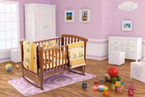 Set pentru patut bebe, cearceaf cu elastic pentru saltea de saltea 60x120x10 cm, pernuta 37×55 cm, pilota 100×105 cm, aparatori 180×45 cm, model Honey