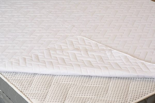 Protectie matlasata pentru saltea Somnart HypoallergenicMed microfibra lavabila la 95°C 85×195 cm